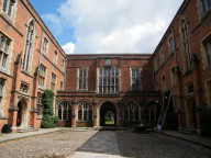 Здание Discovery Summer Winchester College
