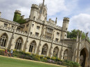 Здание школы Embassy Summer Cambridge