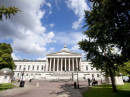Здание школы Embassy Summer London UCL