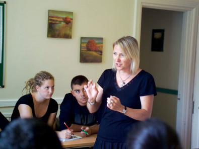 Студенты English Language Centre Brighton на занятиях