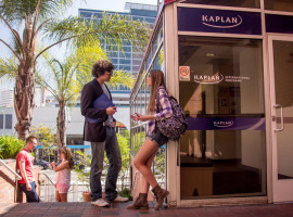 Здание школы Kaplan International College Los Angeles – Westwood