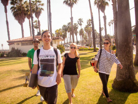 Студенты Kaplan International College Santa Barbara