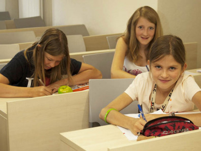 Студенты SLC Swiss Language Club Leysin на занятиях