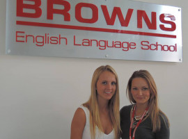 Студенты Browns English Language School Gold Cost