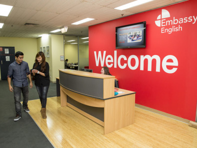 Ресепшен в Embassy English Melbourne