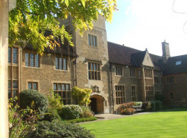 Здание Bellerbys College Cambridge