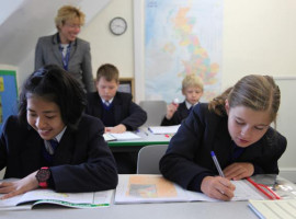 Студенты Taunton School International на занятиях