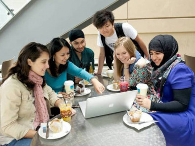 Студенты Academic Colleges Group