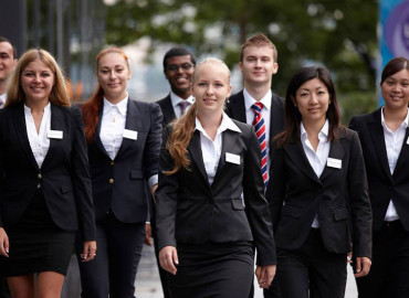 Студенты Business and Hotel Management School