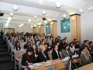 Студенты Les Roches School of Hotel Management на занятиях