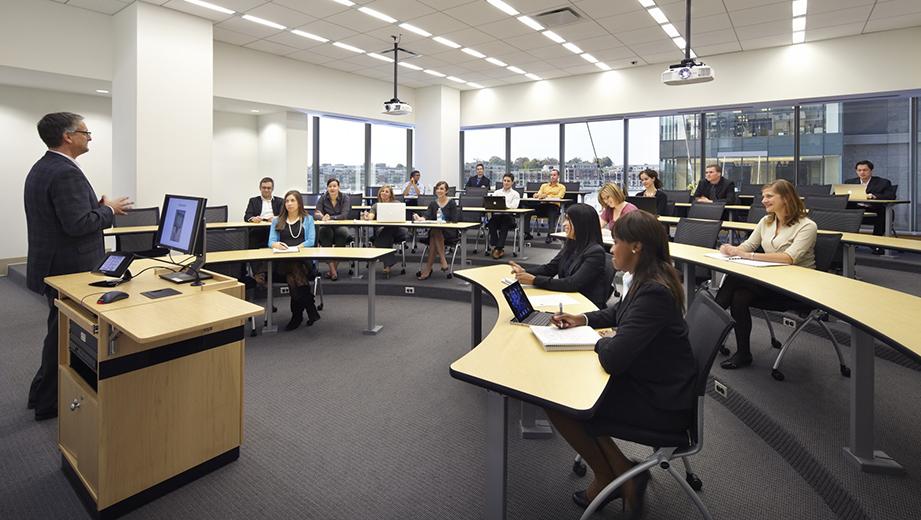 Картинки по запросу Обучение по программе MBA в США