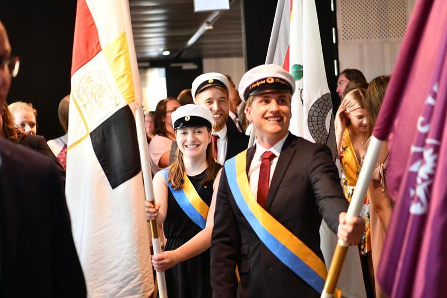 студенты университета Швеции